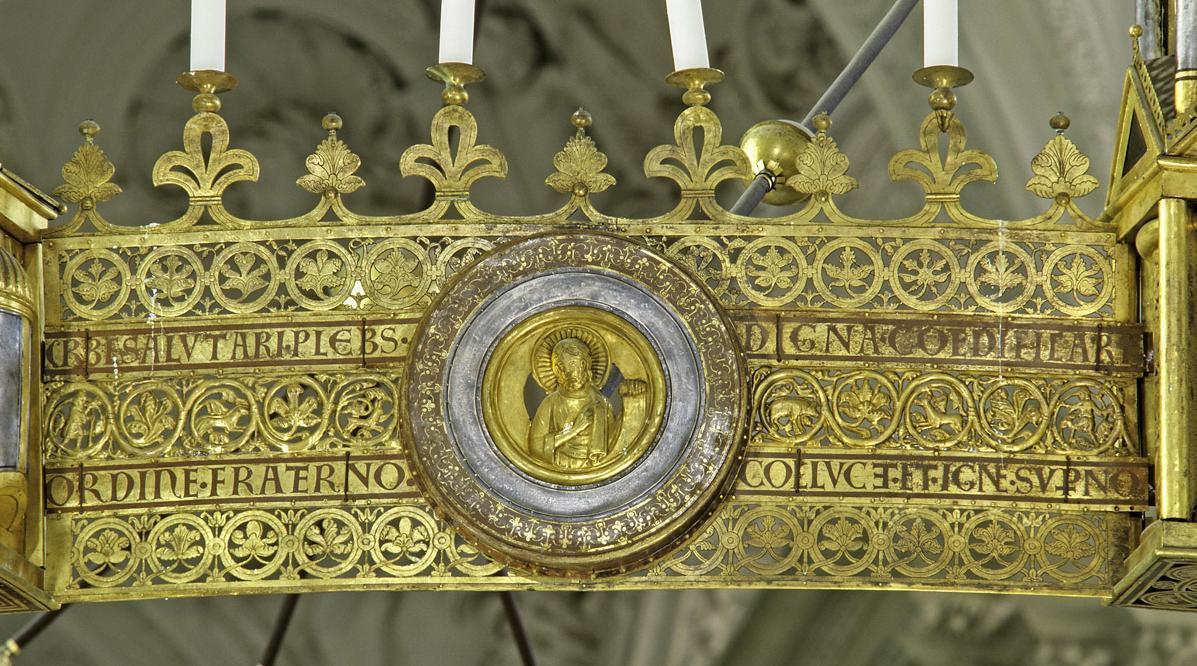 Teil des Radleuchters in der Stiftskirche St. Nikolaus des Klosters Großcomburg; Foto: Staatliche Schlösser und Gärten Baden-Württemberg, Arnim Weischer