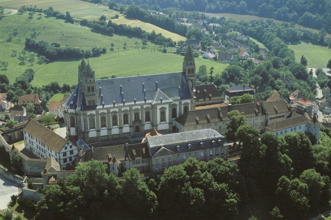 Luftaufnahme von Kloster Großcomburg; Foto: Landesmedienzentrum Baden-Württemberg, Arnim Weischer