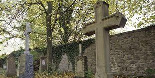 Blick auf den Ehreninvalidenfriedhof beim Kloster Großcomburg
