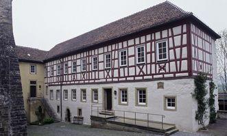 Außenansicht des Vergellbau des Klosters Großcomburg; Foto: Staatliche Schlösser und Gärten Baden-Württemberg, Arnim Weischer