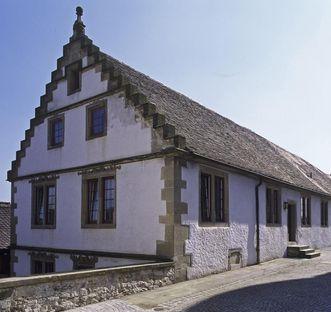 Außenansicht des Gebsattelbau des Klosters Großcomburg; Foto: Staatliche Schlösser und Gärten Baden-Württemberg, Arnim Weischer