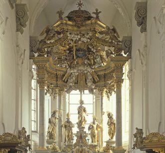 Hochaltar in der Stiftskirche St. Nikolaus des Klosters Großcomburg; Foto: Landesmedienzentrum Baden-Württemberg, Sven Grenzemann