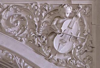 Stuckrelief im Chorraum der Stiftskirche St. Nikolaus des Klosters Großcomburg